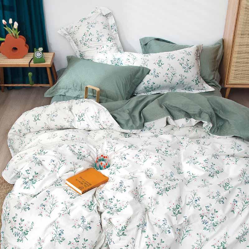 Купить постельное белье сатин 1556 с бесплатной доставкой